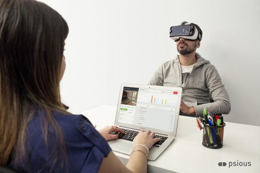 Tractament de la por a parlar en públic amb Realitat Virtual